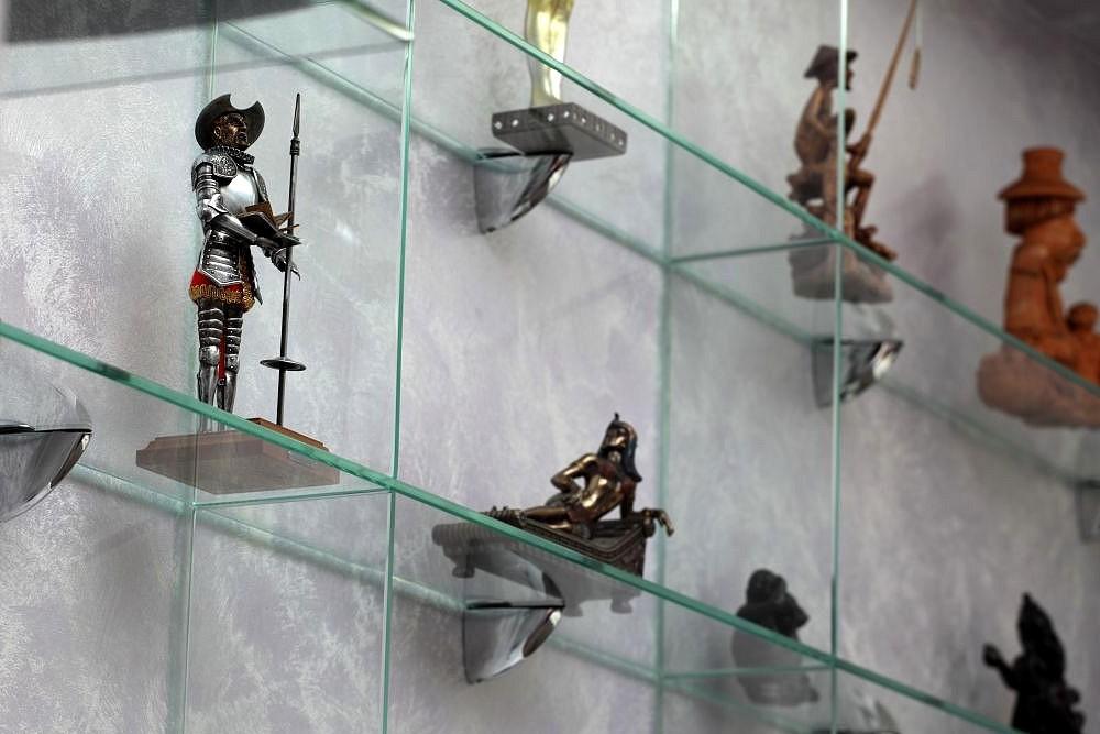 Stiklo lentynų laikikliai
