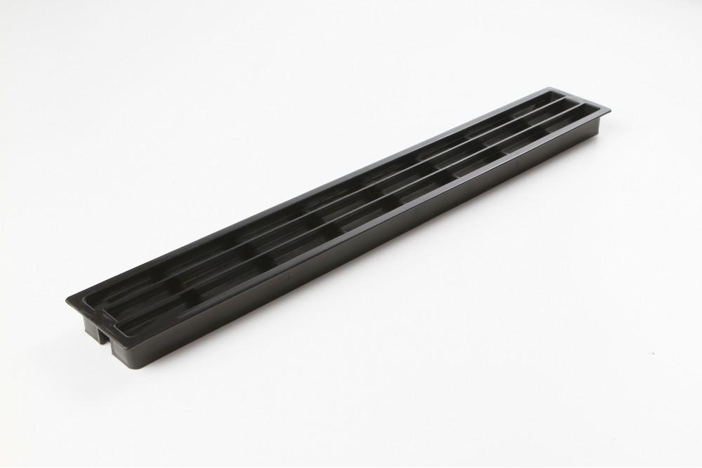 Ventiliacinės grotelės PLAST 64x453mm JUODOS
